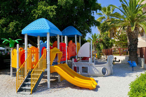 10 Resort kids playground 1